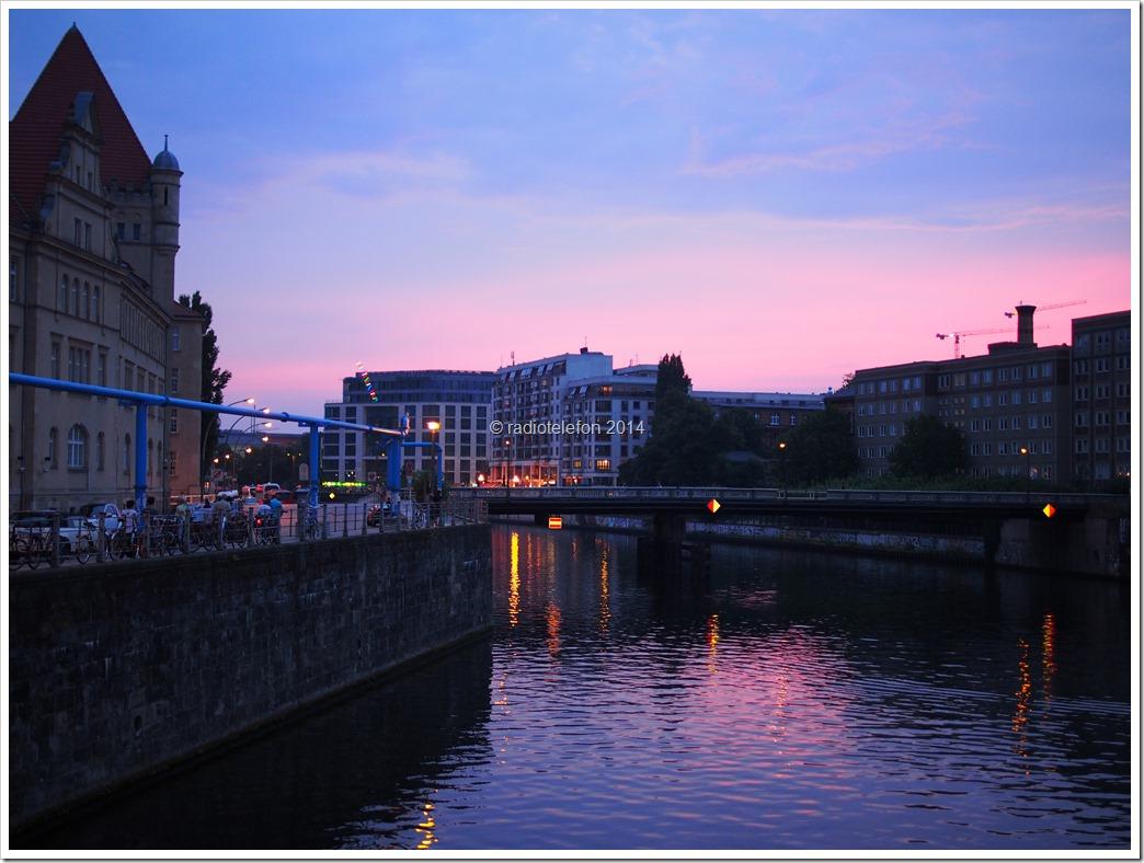 Berlin Sonnenuntergang vorm Bodemuseum